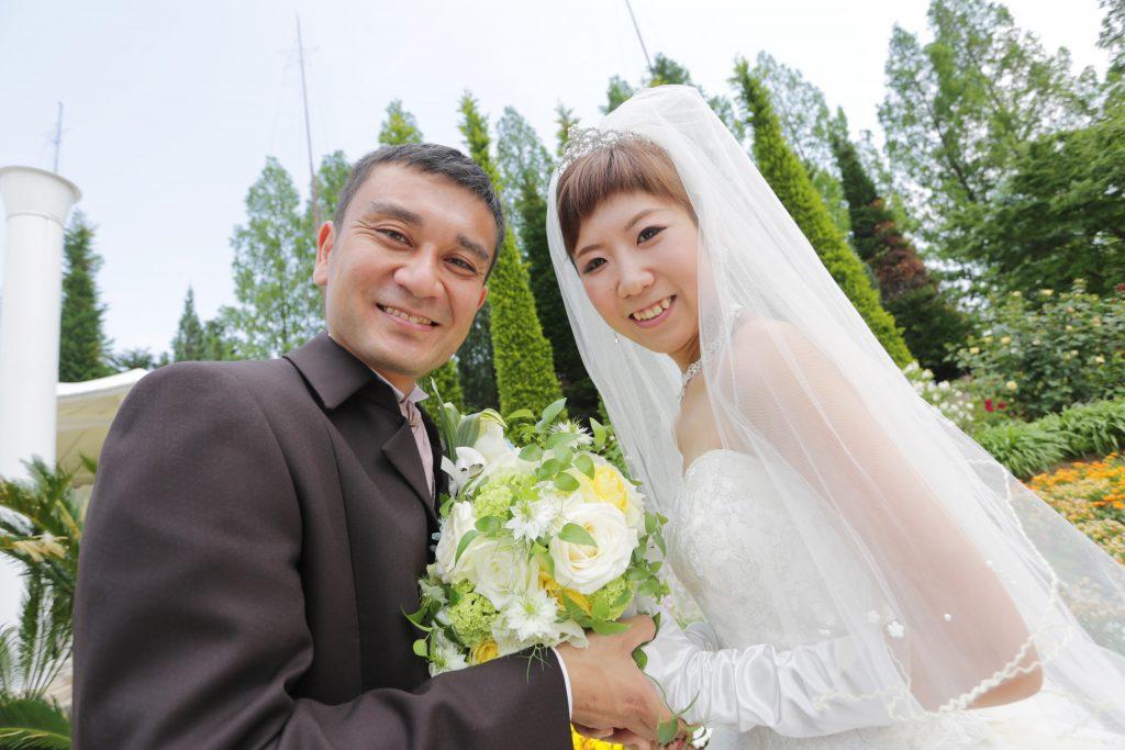 結婚式の入場はサプライズで大空から