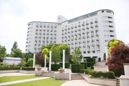 ガーデンウエディングが人気のホテルヘリテイジ