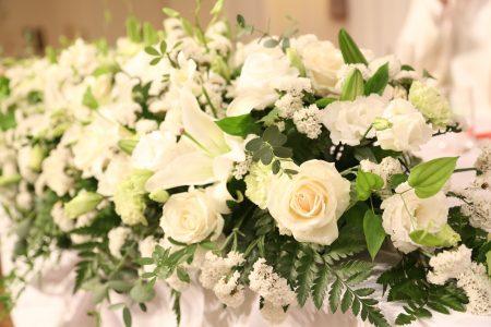 人気のメインテーブルのお花