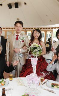 上品な人前結婚式と披露宴